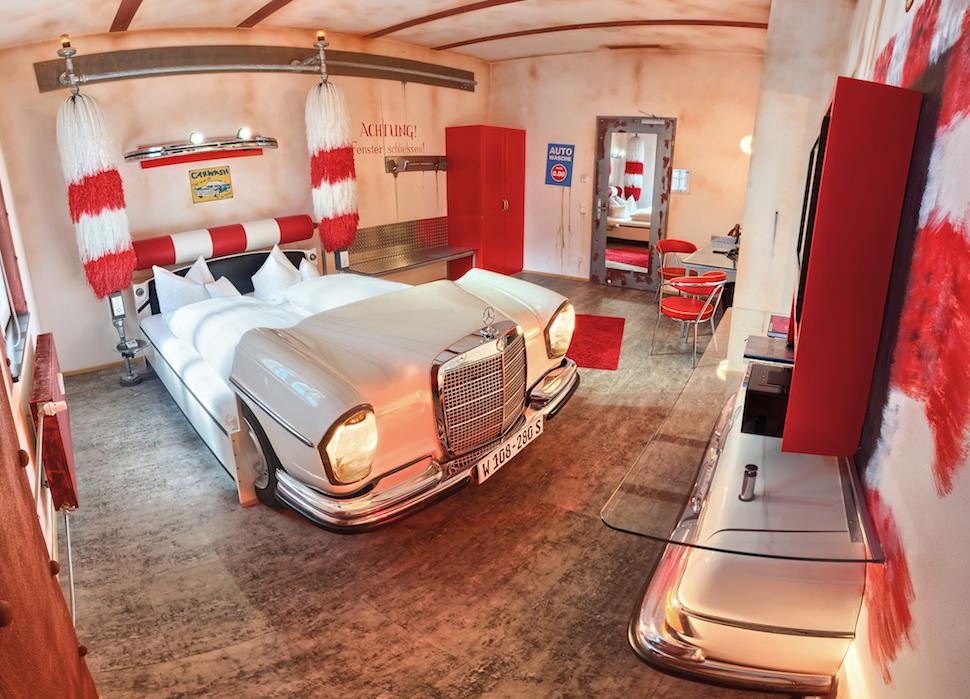 1. Отель V8 Motorworld, Штутгарт, Германия.