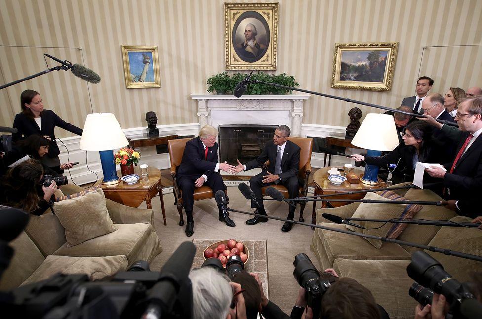 11. Ноябрь. Настоящий и уже бывший президенты США – Дональд Трамп и Барак Обама.