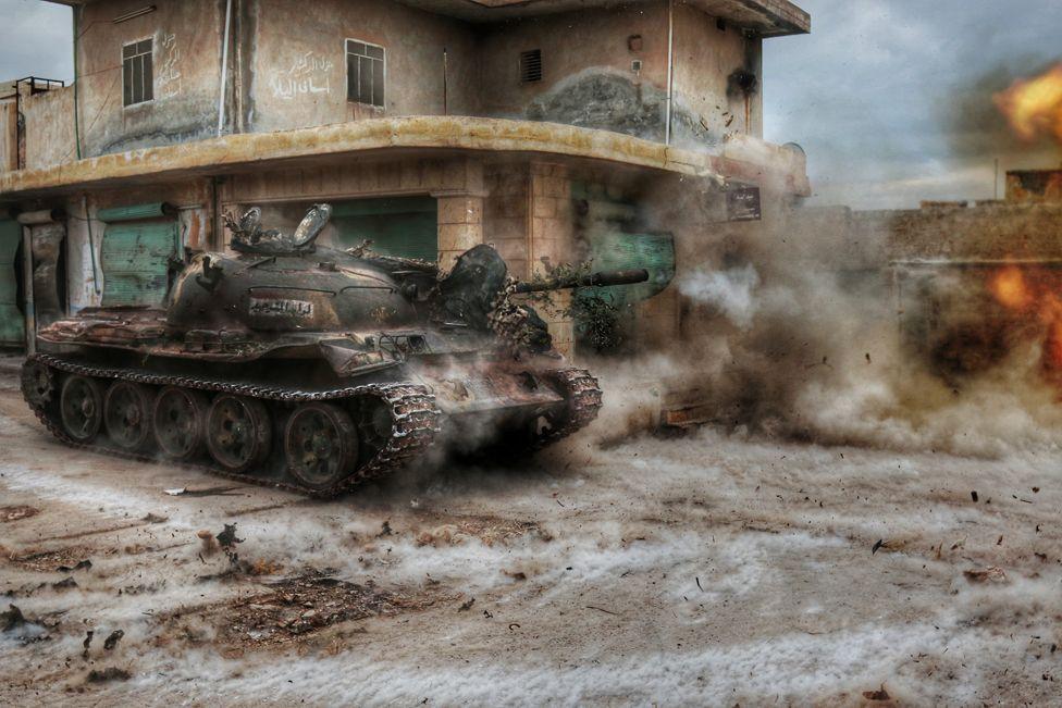 2. Февраль. Сирийский Алеппо был в новостях в течении всего года. Противостояние правительства Сирии Исламскому государству.