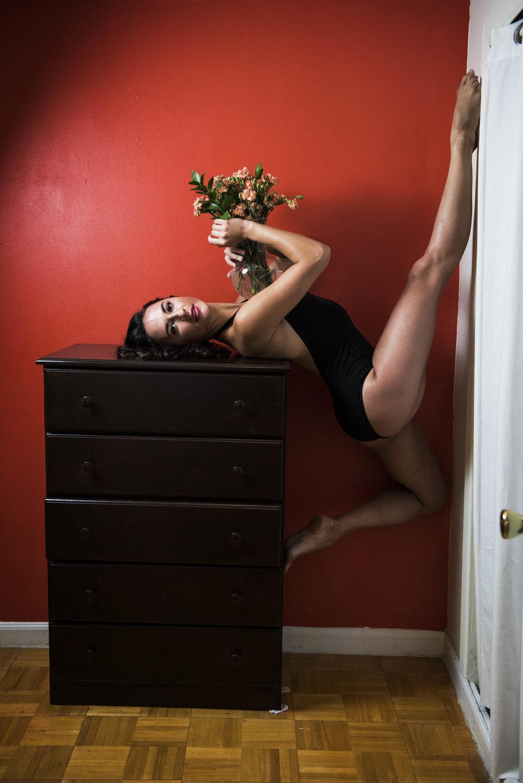 6. Даниелла Шульц – танцовщица в Метрополитен-опера живет в коммунальной квартире в Бруклине.