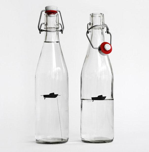 9. Бутылка с рыболовным судном внутри.