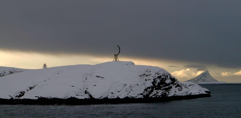 14. Норвежское побережье Арктики.