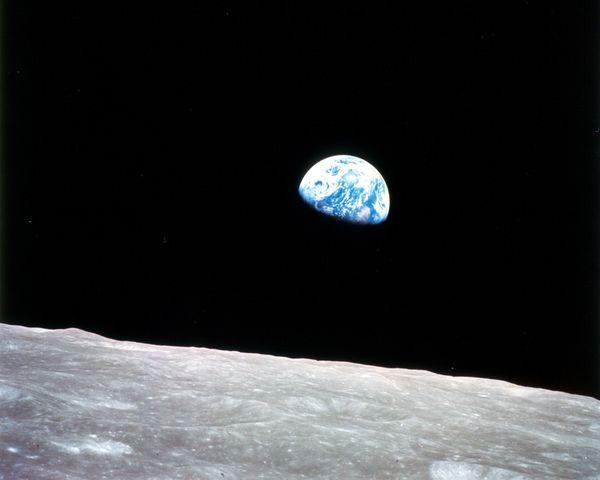 2.  Восход Земли, Уильям Андерс, 1968.