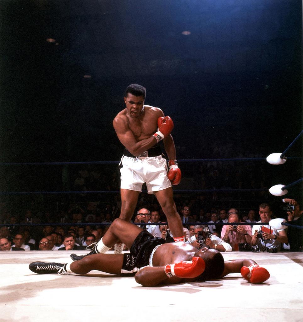 4. Мухаммед Али против Сонни Листона, Нил Лейфер, 1965.