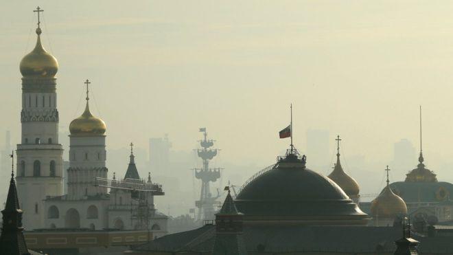 11. По всей стране будут приспущена государственные флаги.