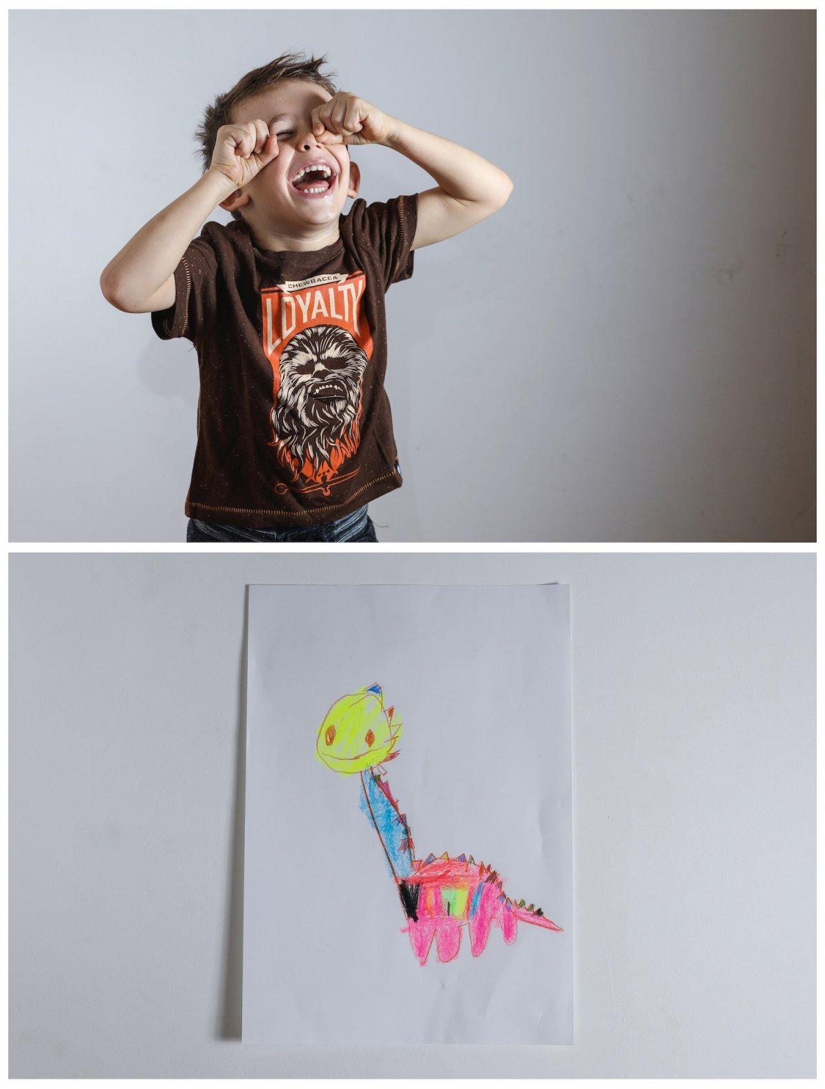 2. Четырехлетний Макс из Белграда хотел бы получить в подарок игрушечного динозавра.