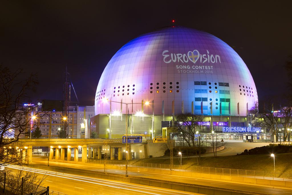 10. Самая большое здание-сфера: Эрикссон-Глоб, Стокгольм.