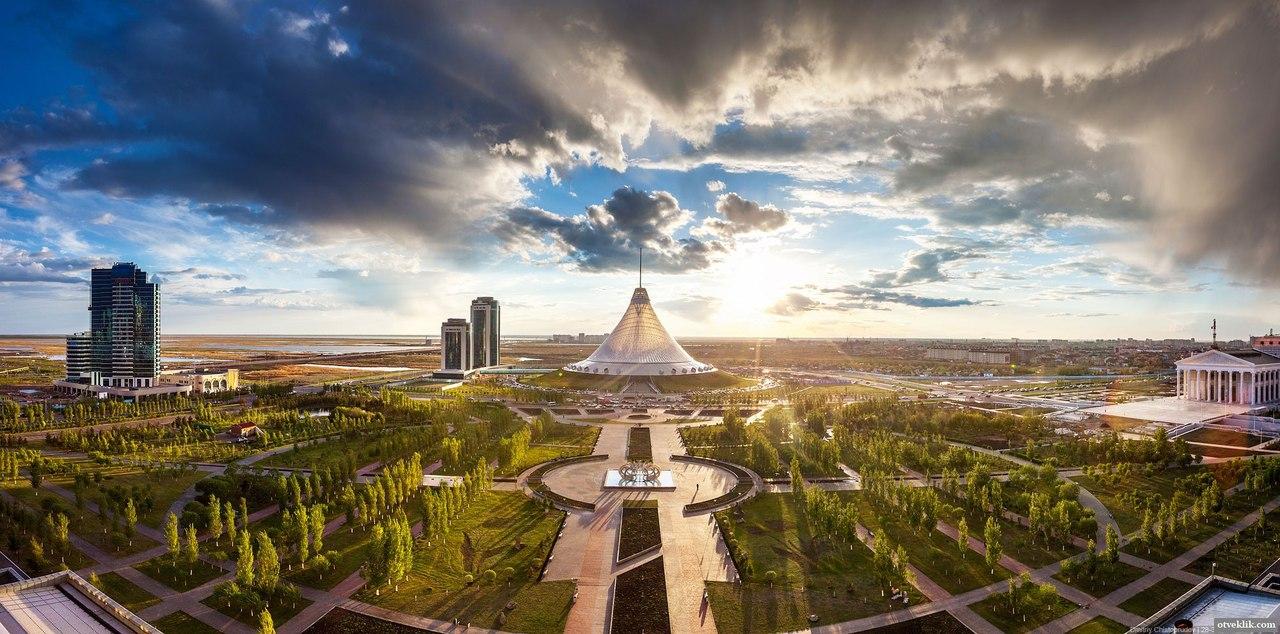 4. Торгово-развлекательный центр Хан Шатыр, Астана, Казахстан. Является самым большим шатром. Не хватит и дня, чтобы обойти все развлечения в этом шатре. Не забудьте, кстати, открыть счет в местном банке, например в https://tengribank.kz/retail/otkrytie-scheta-v-banke, чтобы вовсю насладиться развлечениями.