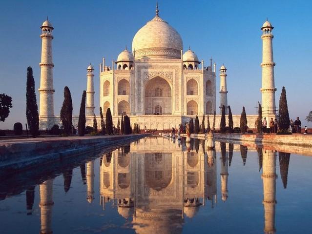 8. Самый большой мавзолей: Тадж-Махал, Агра, Индия.