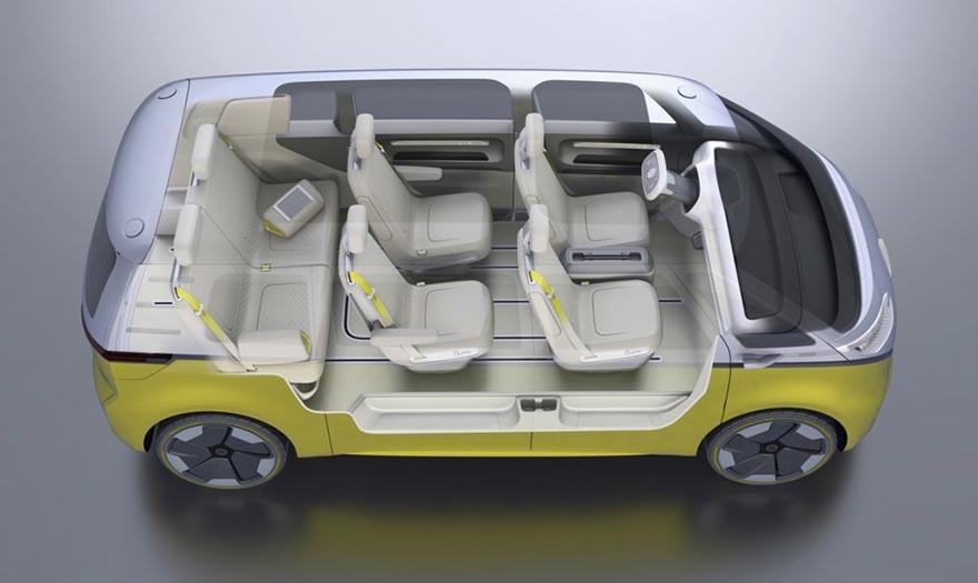 3. Источником питания для двигателей служит батарея емкостью в 111 киловатт-часов, которая заряжается на 80% всего за полчаса. На полном заряде батареи автомобиль может проехать до 430 км.