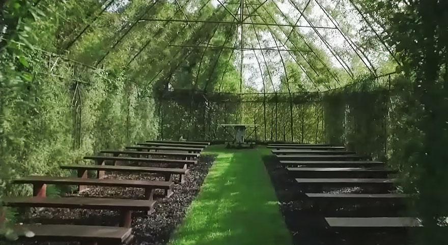 4. Стены, крыша – все это живые растения.