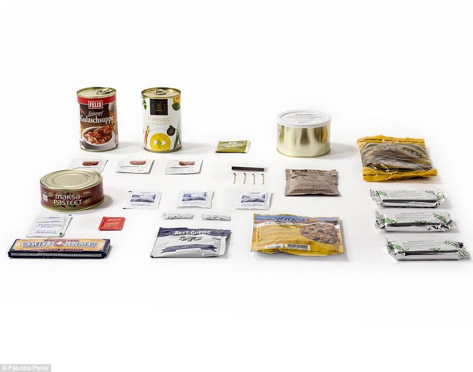 9. Паек эстонской армии: мюсли, ржаной хлеб, кофе, куриный суп с лапшой, темный шоколад с экстрактом гуараны, сладкие крекеры.