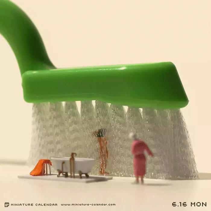 4. Их он делает для проекта Miniature Calendar.
