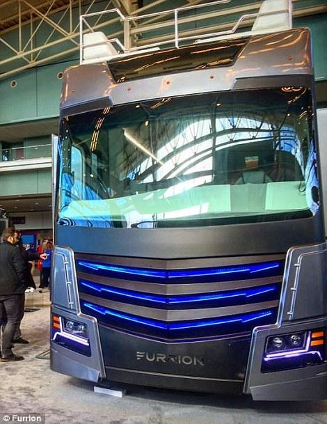 9. Несмотря на объявленную цену, данный автобус не для продажи. Это личное детище крупного производителя электроники – компании Furrion.
