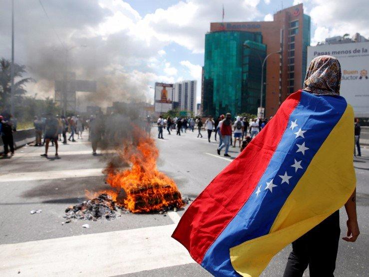 7. Венесуэла охвачена инфляцией, преступностью и коррупцией, а налоговая ставка равна 65%.