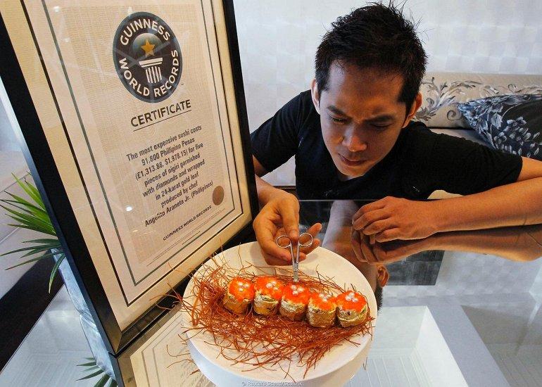 8. Самые дорогие суши в мире - $ 1,978.15.