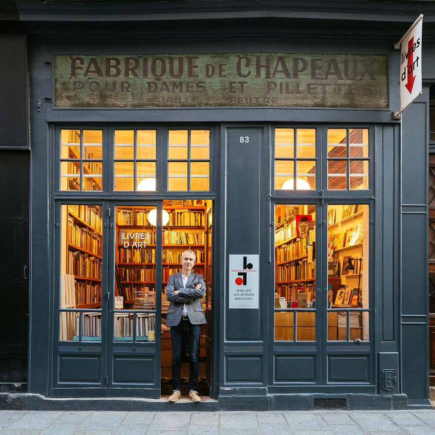 9. Стефан Перье и его книжный магазин.