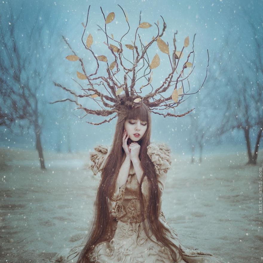 1. Дерево. Фотографа Аниту Анти вы не найдете на украинском сайте Kabanchik.ua, так как проживает она в Нью-Йорке. Вдохновленная сказками со всего мира, Анита создает красивые портреты девушек на фоне живописного леса.